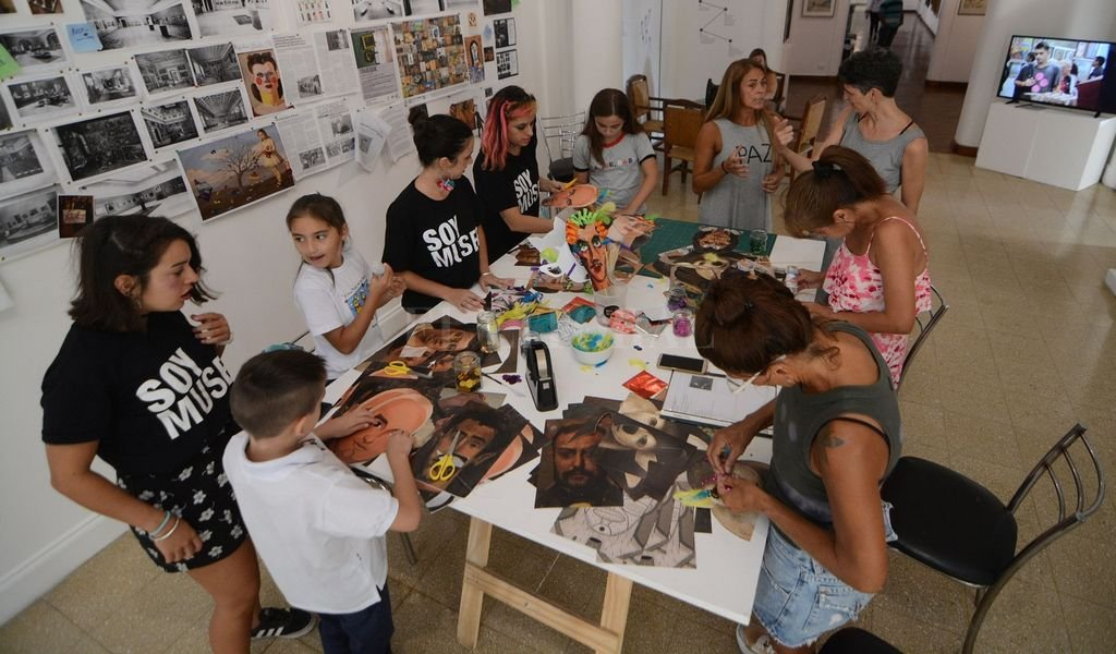 La actividad está destinada a niños y niñas acompañados por un adulto responsable.  <strong>Foto:</strong> Gentileza MIC