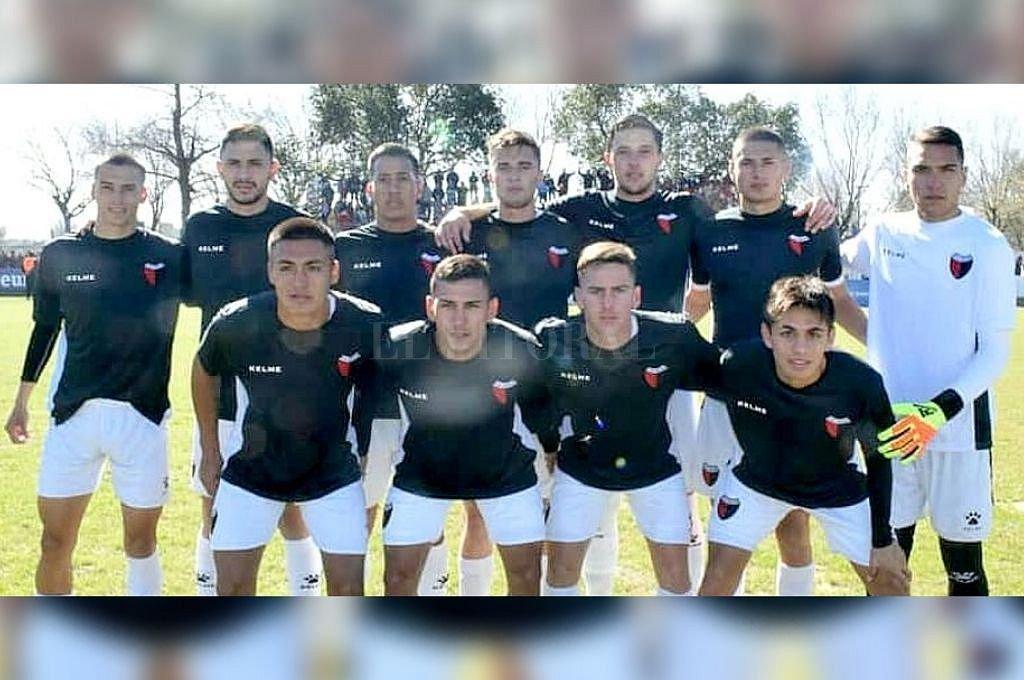 Formación de Colón que salió a jugar ante Argentino de San Carlos. <strong>Foto:</strong> Prensa Club Colón