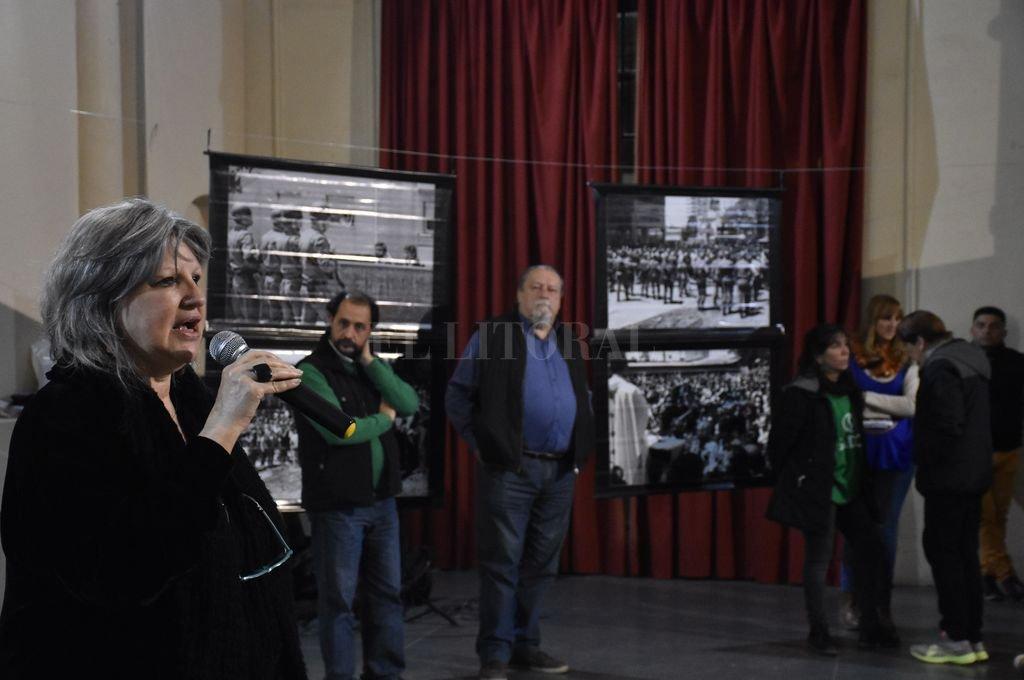 La inauguración de la muestra, con la conducción del secretario general de Sadop, Pedro Bayúgar, tuvo la presencia de Mónica Hasenberg. Crédito: Manuel Alberto Fabatía