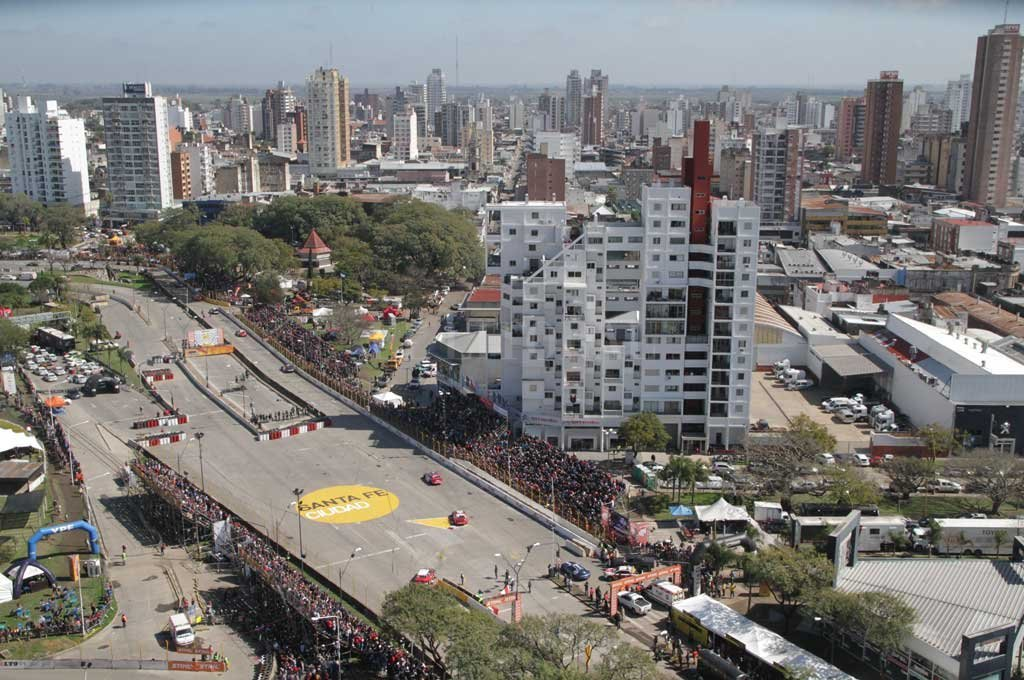 Una postal del circuito callejero que se arma en la ciudad capital <strong>Foto:</strong> Archivo El Litoral / Pablo Aguirre