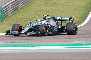Mercedes marcó el rumbo en la puesta en marcha