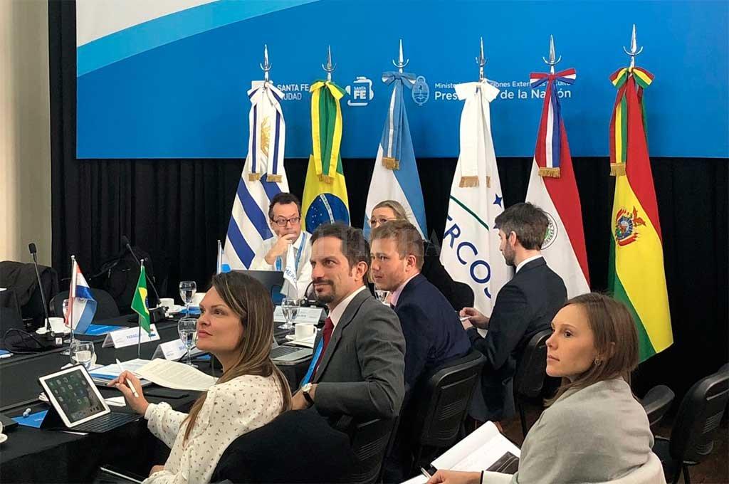 Integrantes de las delegaciones internacionales ya trabajan en la Cumbre del Mercosur que se desarrolla en la ciudad de Santa Fe <strong>Foto:</strong> Prensa Mercosur