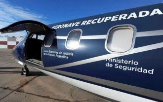 Subastan un avión de Lázaro Báez -  -