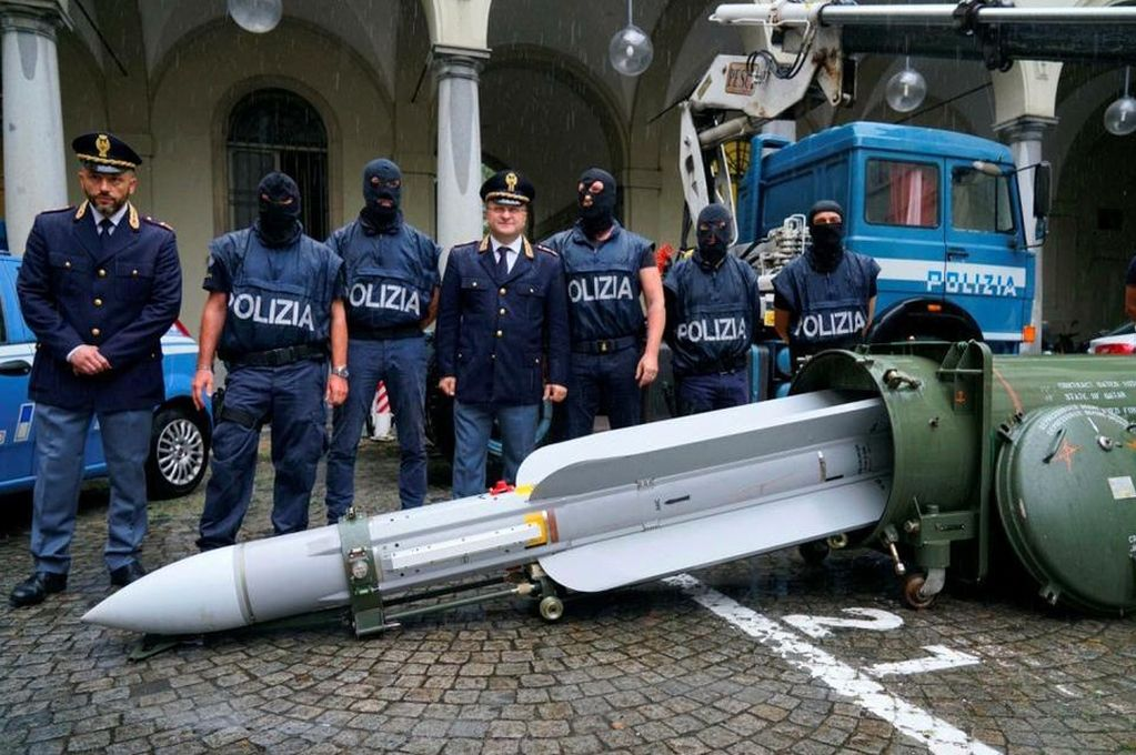La policía italiana incautó un arsenal de guerra a la extrema derecha