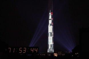 El Monumento a Washington se convierte en cohete en honor al Apolo 11