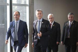 Macri apuntó a consolidar su voto en Santa Fe  - Macri y Piñera recorrieron el Museo de la Constitución y luego fueron a la sala acompañados por Bongiovanni y Corral. -