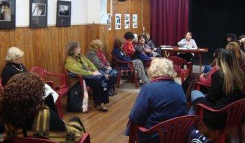 Cumple 21 años el taller de lectura de El Retablo  - Bajo la coordinación de María Cristina Pepe, en el taller se leen obras de diversos autores. -
