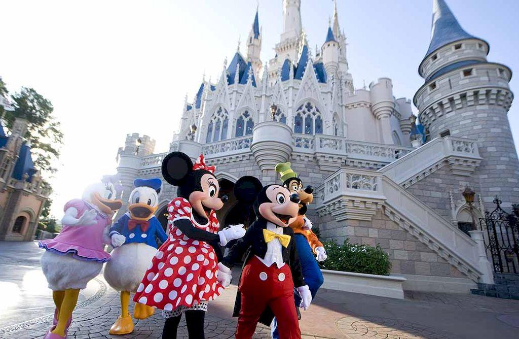 La heredera de Disney visitó de incógnito un parque y criticó las condiciones de trabajo de los empleados