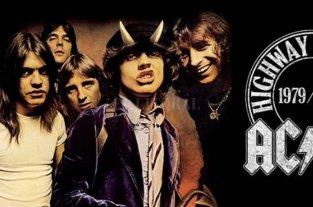 """AC/DC celebra los 40 años de """"Highway to Hell"""" con un video inédito"""