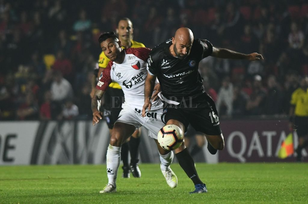 Colón visita a Argentinos con la necesidad de ganar  -  -