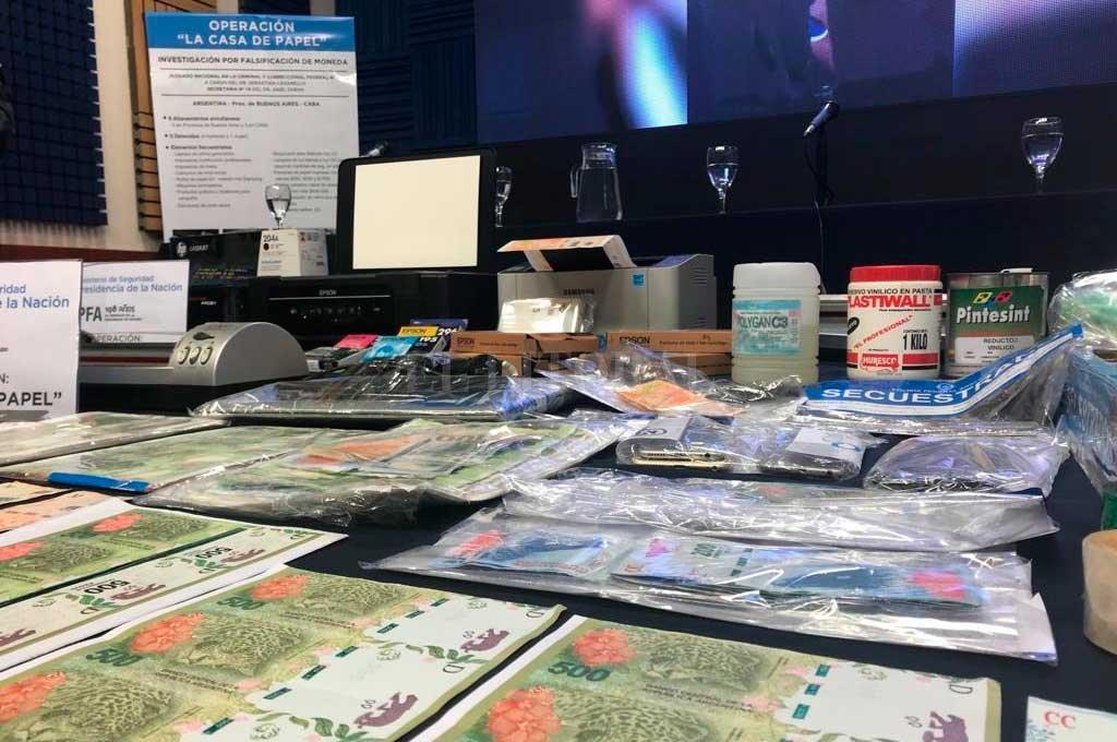 """Operativo """"La casa de papel"""": desbarataron una banda que falsificaba dinero"""