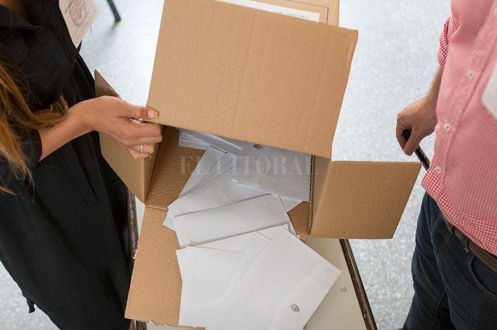 A tres semanas de las PASO, este sábado se realiza un nuevo suimulacro de recuento de votos