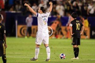 Video: Ibrahimovic marcó tres golazos y Los Ángeles Gálaxy ganaron el clásico 3 a 2 -  -