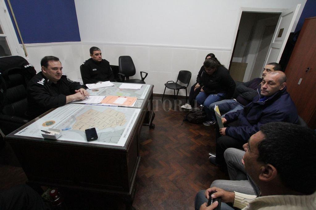 Ola de robos: taxistas y remiseros  planificaron acciones con la Policía