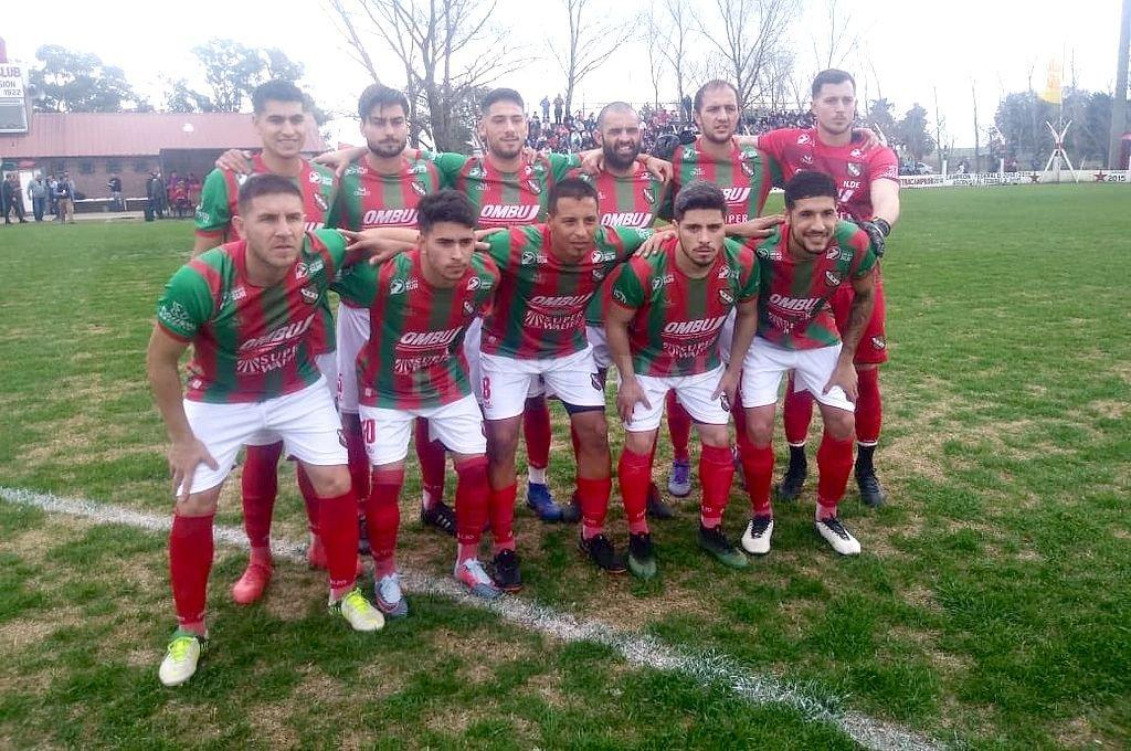 Sportivo Las Parejas sacó ventaja en la primera semifinal