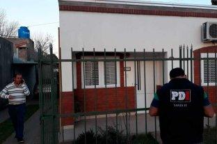 Robaron en la casa del intendente de Recreo, Omar Colombo - Colombo y peritos de la PDI. momentos después del robo.  -