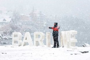 Espectaculares imágenes de Bariloche bajo nieve -  -