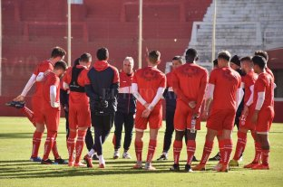 Así arranca Unión en los promedios en la temporada 2019/2020 - Madelón y la charla técnica previa al amistoso contra Godoy Cruz, que se jugó a principios de julio. -