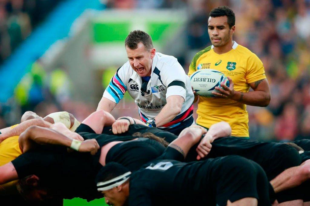 El galés Nigel Owens será el encargado de conducir el match inaugural en el Tokyo Stadium y entre otros, arbitrará el partido que Los Pumas protagonizarán ante Inglaterra en el mismo escenario. La de Japón, será su cuarta Rugby World Cup. <strong>Foto:</strong> Gentileza WR
