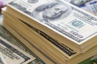 El dólar subió 26 centavos y cerró a $ 43,87 -  -