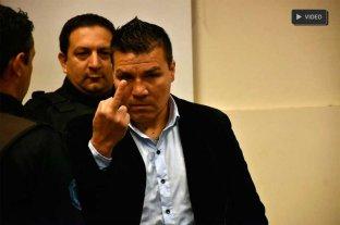 Polémicos gestos de Baldomir al llegar al juicio