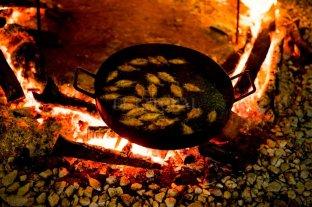 Mojarritas fritas, un menú que se instala en Santa Fe tras la Cumbre del Mercosur
