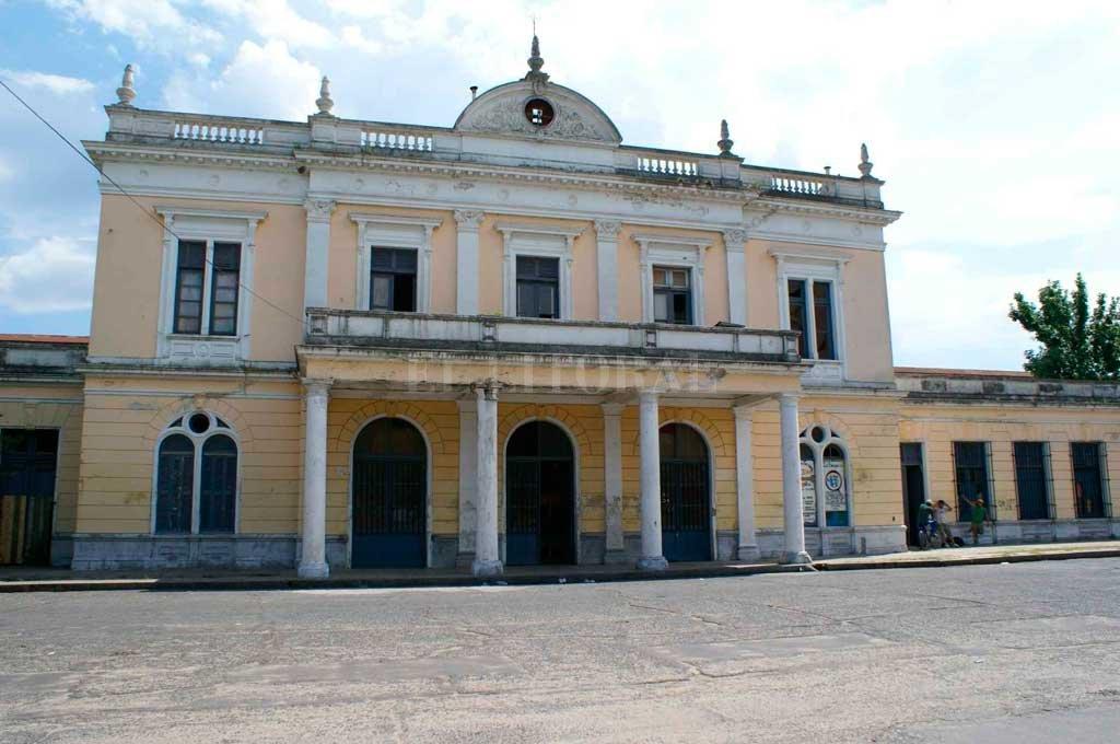La ex Estación Mitre es el edificio donde funciona la asociación cultural