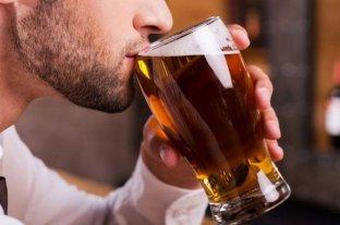 Además de la cantidad que se tome, ¿de qué depende el nivel de alcoholemia?