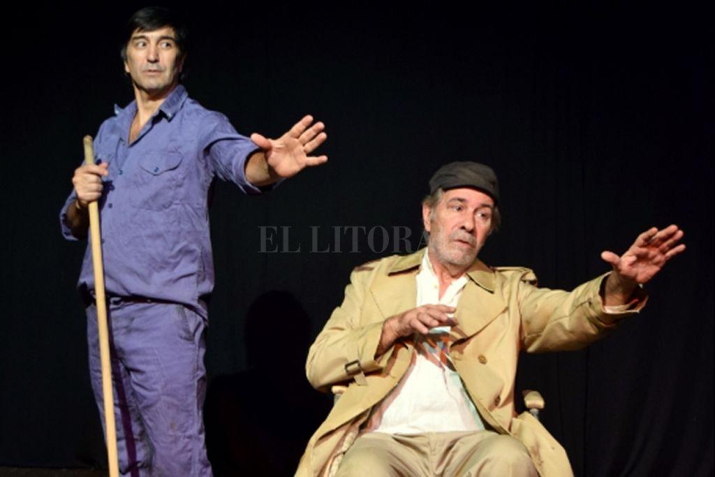 """Los protagonistas son El Gordo y El Nene, quienes en la puesta van descubriendo que """"no se puede ser uno si no hay otro y que ese lazo es todo lo que hace falta para que el teatro ocurra"""".  <strong>Foto:</strong> Gentileza producción"""