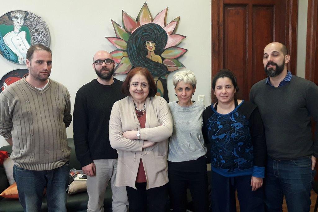 """La ministra con los referentes de """"El Birri"""". Crédito: Gentileza Gobierno de Santa Fe"""