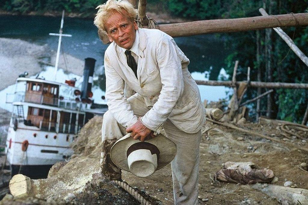 Klaus Kinski como el extravagante protagonista del film, que se propone concretar una epopeya en el Amazonas. <strong>Foto:</strong> Werner Herzog Filmproduktion