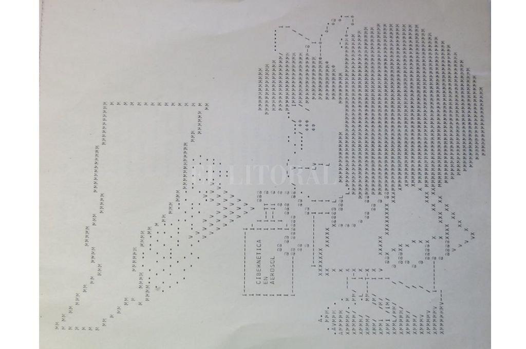 Para la inauguración del Centro de Cómputos  de la Provincia se diseñó la impresión de una tarjeta multiperforada. Crédito: Gentileza