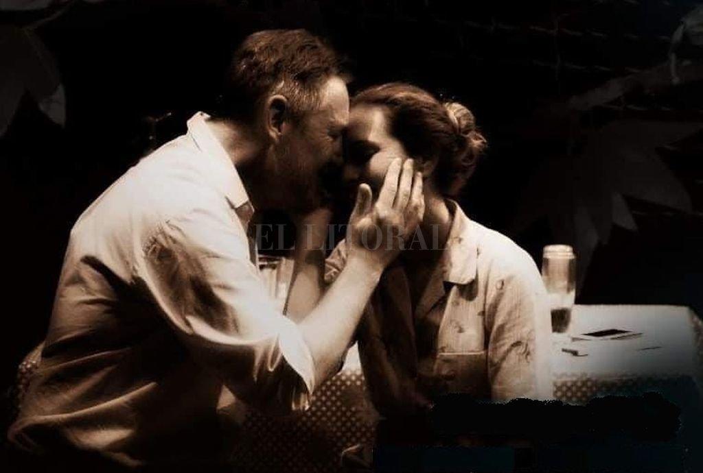 Rubén Von Der Thüsen y Luciana Tourné como el Gringo y la Kuki (completa el triángulo Daniela Romano como Julia). <strong>Foto:</strong> Gentileza producción