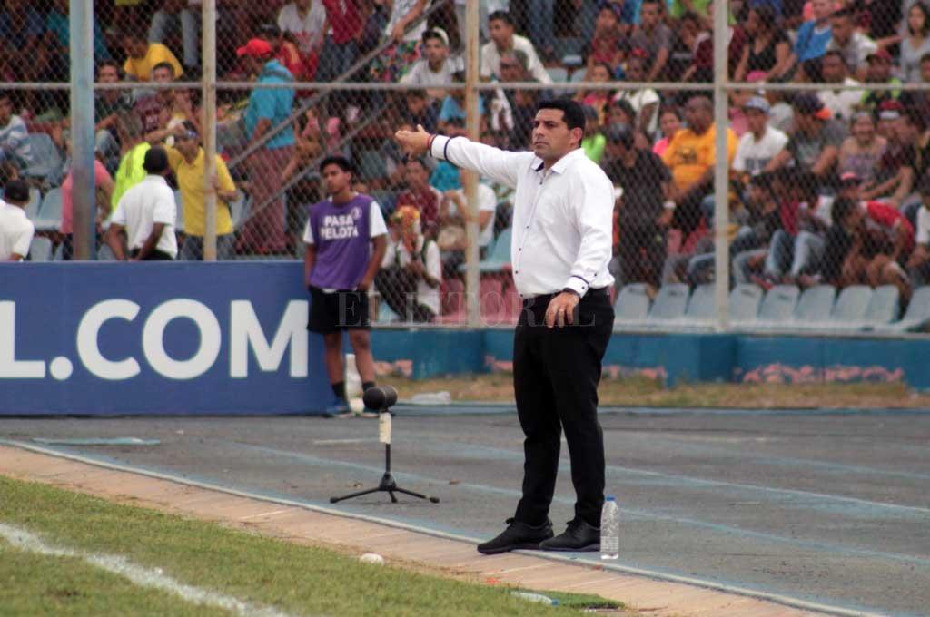 """El entrenador del Zulia, Francesco Stifano, dijo que el calor que hubo que soportar el jueves fue único y que """"jamás se había vivido una tarde semejante"""". <strong>Foto:</strong> Prensa Zulia FC"""