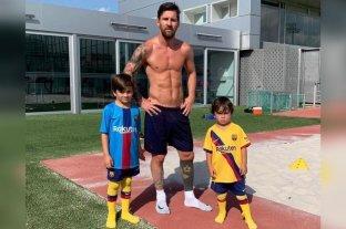 Messi entrenó con sus hijos y no llegaría al debut del Barcelona