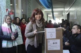 Cristina Kirchner volvió a Buenos Aires tras votar en Río Gallegos