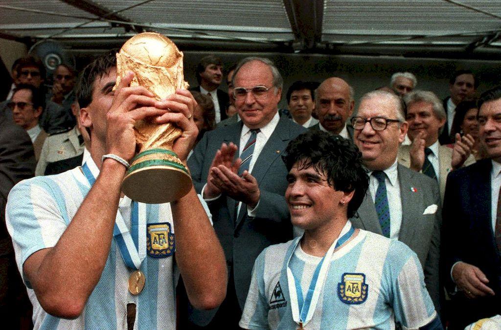 Maradona y Brown. <strong>Foto:</strong> Internet
