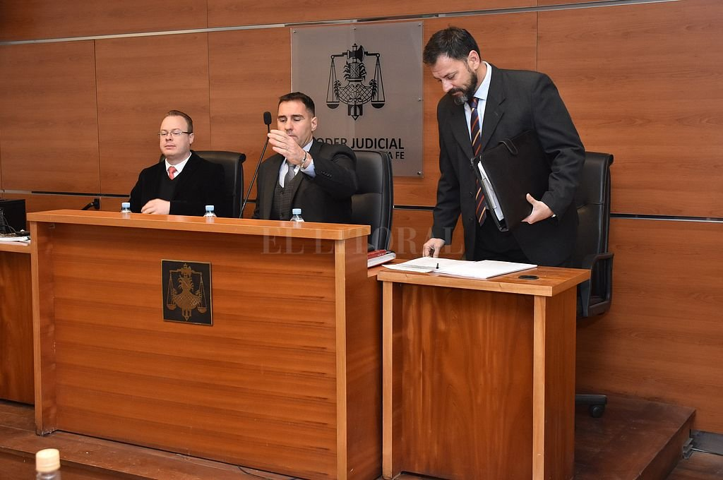 El tribunal integrado por los jueces José García Troiano (presidente), Rodolfo Mingarini (der.) y Nicolás Falkenberg (izq.), dará a conocer el miércoles la sentencia.  <strong>Foto:</strong> Flavio Raina