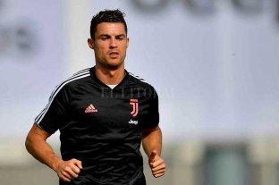 """Cristiano Ronaldo: """"Quédate en casa y ayudemos a los que luchan por salvar vidas"""""""