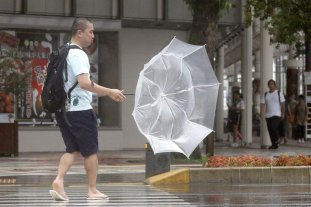Japón evacuará a 310.000 personas por la llegada de la tormenta 'Krosa'