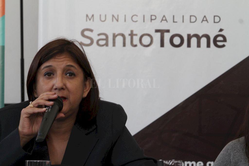Preocupada. Así se mostró la intendenta Daniela Qüesta sobre el futuro económico que enmaraña las finanzas locales.  <strong>Foto:</strong> Mauricio Garín