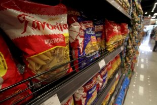Sancionarán a comercios que no trasladen la baja del IVA a los productos básicos