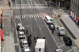 Misterio en Nueva York: analizan tres ollas a presión halladas en la vía pública