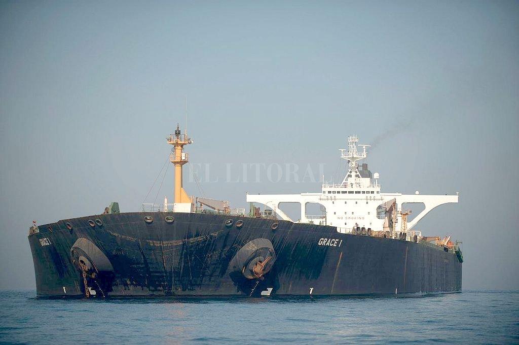 El Grace 1 estuvo retenido en Gibraltar. El jueves fue liberado y ahora es la justicia norteamericana la que ordenó su captura. <strong>Foto:</strong> Archivo El Litoral
