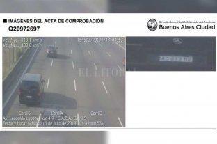 Los autos que trasladan a Macri, Pichetto, Alberto y Cristina adeudan varios miles de pesos en multas
