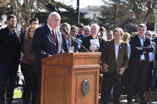 El gobernador encabezó el acto por el aniversario del fallecimiento del general San Martín -  -