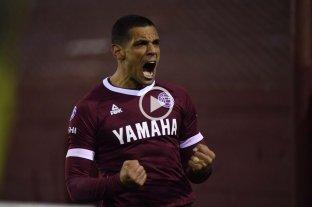 Lanús venció como local a Vélez y se despega del fondo de los promedios para el descenso
