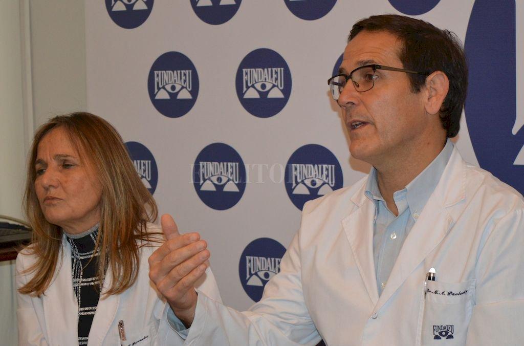 Los doctores Miguel Pavlovsky e Isolda Fernández disertaron sobre los avances médicos para el tratamiento de la leucemia en la sede de Fundaleu. Crédito: Gentileza Fundaleu