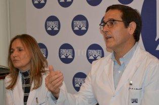 Avances y nuevos paradigmas en el tratamiento de las leucemias - Los doctores Miguel Pavlovsky e Isolda Fernández disertaron sobre los avances médicos para el tratamiento de la leucemia en la sede de Fundaleu. -