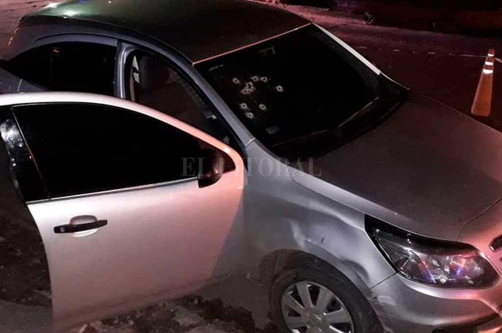 Los balazos en el parabrisas, las muestras del feroz ataque ocurrido en Gral. Alvear <strong>Foto:</strong> El Litoral